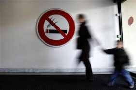 Ilustrasi larangan merokok. (Reuters)