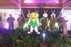 Si Jali, maskot Pilkada Boyolali 2020 dipamerkan saat acara Peluncuran Pemilihan Bupati dan Wakil Bupati Boyolali 2019 di Pendapi Alit, Kompleks Rumah Dinas Bupati Boyolali, Selasa (26/11/2019). (Solopos/Nadia Lutfiana Mawarni)