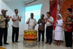 Sekda Kota Magelang Joko Budiyono (ketiga dari kiri) membuka Pelatihan Pemanfaatan Media Sosial Kampanye Bina Damai 2019 di Kelenteng Liong Hok Bio, Kota Magelang, Jawa Tengah, Minggu (17/11/2019) (Antara-Humas Pemkot Magelang)