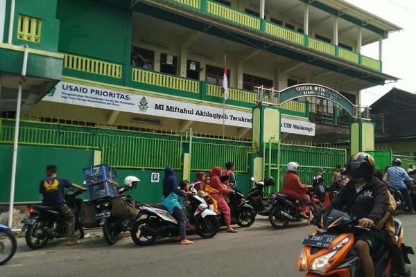 Mendikbud Pendiri Gojek, Madrasah di Semarang Bayar Sekolah Pakai Gopay