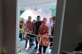 Wali Kota Surabaya, Tri Rismaharini, meresmikan Museum Pendidikan. (detik.com)