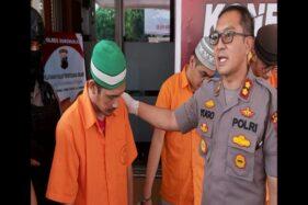 Kapolres Sukoharjo AKBP Bambang Yugo Pamungkas saat menginterogasi pelaku pengedar narkoba sekaligus buronan Polres Sleman, AND, ihwal peredaran obat penggugur kandungan, Jumat (22/11/2019). (Solopos/Indah Septiyaning W.)