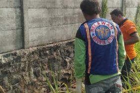 Wanita Paruh Baya Ditemukan Tewas di Belakang Pabrik Karpet Jombang