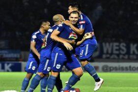 Pemain PSIS Semarang melakukan selebrasi seusai menjebol gawang Bali United pada laga Liga 1 di Stadion Moch Soebroto, Jumat (15/11/2019). (Instagram @psisfcofficial)