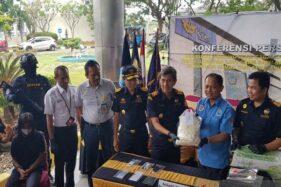Sudah Disisipkan di Microwave, 2 Kg Sabu-Sabu Gagal Diselundupkan via Bandara Semarang