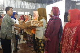 Perempuan Istimewa Jateng Terima Tali Asih dalam Kongres Perempuan