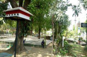 Pagupon atau kandang burung merpati menghiasi Taman Kridoanggo Sragen. (Solopos-Moh. Khodiq Duhri)