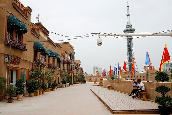 Dokumen Rahasia Ungkap Cara China Cuci Otak Muslim Uighur