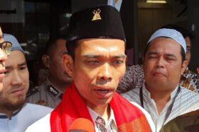 Ustaz Abdul Somad di Gedung KPK. (Bisnis)