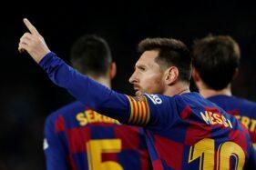 Pemain Barcelona, Lionel Messi, merayakan gol ketiga ke gawang Mallorca pada pertandingan pekan ke-16 Liga Spanyol 2019-2020 di Stadion Camp Nou, Barcelona, Spanyol, Minggu (8/12/2019) dini hari WIB. (Reuters-Albert Gea)