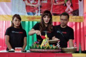 Bukan Ikut Sidang, Ashanty Potong Tumpeng di Purwokerto