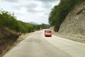 Jalan Lingkar Kota (JLK) di Segmen 2, Dusun Sumber, Desa Pare, Selogiri, Wonogiri, Minggu (15/12/2019). (Solopos/Cahyadi Kurniawan)