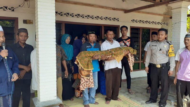 Jenazah Muhamad Noval Mohtarom akan dimakamkan di Desa Nglambangan, Kecamatan Wungu, Madiun, Rabu (4/12/2019). (Abdul Jalil-Madiunpos.com)