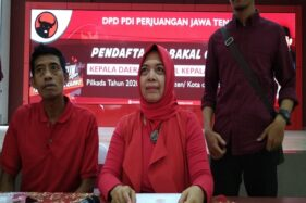 Ninik Herawati saat mengembalikan berkas pencalonan bupati pada Pilkada Klaten di Kantor DPD PDIP Jateng, Sabtu (7/12/2019). (Sukarelawan Ninik Herawati)