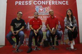 Jajaran direksi Telkomsel Jateng dan DIY saat menggelar jumpa pers di kawasan Kota Lama, Semarang, Sabtu (7/12/2019). (Semarangpos.com-Humas Telkomsel)