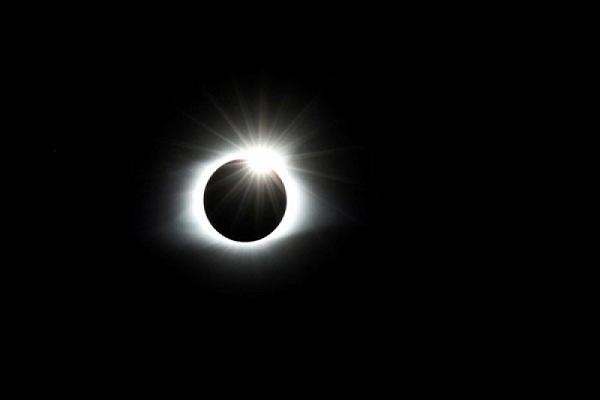 Nanti Sore Ada Gerhana Matahari Cincin, Mana Saja yang Bisa Lihat?