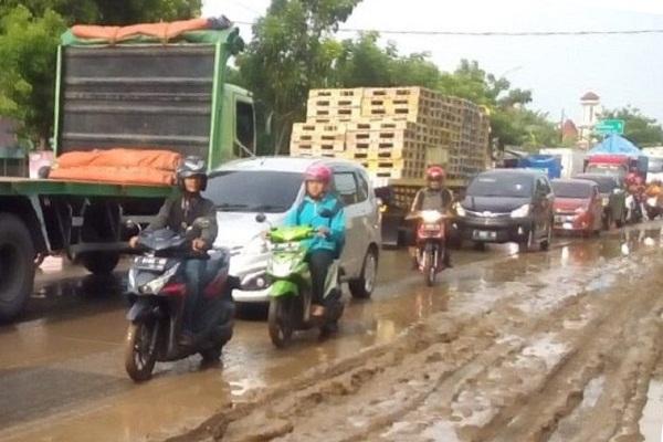 Jalur Pantura Kudus Diterjang Banjir Bandang