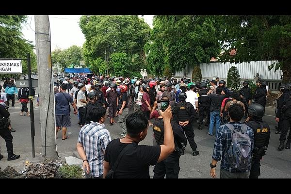 Bentrok Depan PCNU Solo Setelah Demo Protes Gus Muwafiq, DSKS Mengaku Tak Tahu