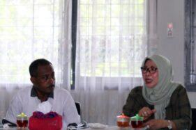 Dirjen Pemasyarakatan Kemenkum HAM Sri Puguh Budi Utami (kanan) memberikan pengarahan di aula LP Kelas IIA Sragen tentang perang terhadap narkoba, Sabtu (14/12/2019). (Solopos/Tri Rahayu)