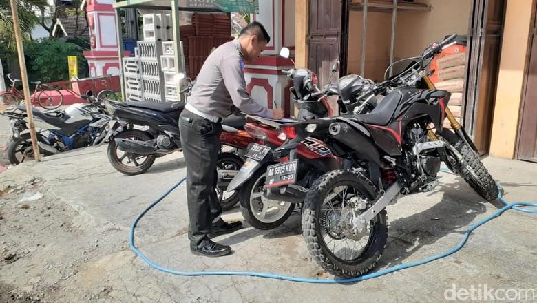 Empat Sepeda Motor Tabrakan di Blitar, Satu Pelajar Tewas, Empat Luka-Luka