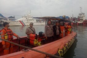 Operasi pencarian nelayan hilang di perairan Tambaklorok, Semarang, oleh tim SAR Sadewa Basarnas Jateng, Senin (9/12/2019). (Semarangpos.com-Basarnas Jateng)