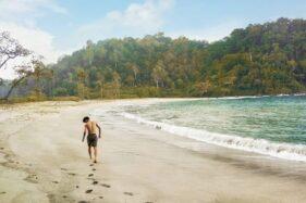 Pantai Kali Kencana di Pulau Nusakambangan, Kabupaten Cilacap, Jateng. (Perpus.jatengprov.go.id)