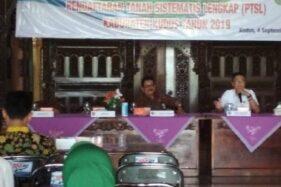Rapat koordinasi terkait program pendaftaran tanah sistematis lengkap (PTSL) di Pendapa Kabupaten Kudus, Jawa Tengah, Senin (2/12/2019). (Antara-Akhmad Nazaruddin Lathif)