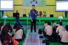 PR Education and Music Addict (Predict) yang dilaksanakan oleh Mahasiswa D3 Program Studi Hubungan Masyarakat Universitas Diponegoro di Kota Semarang, Jateng, Jumat (6/12/2019). (Antara-Istimewa)