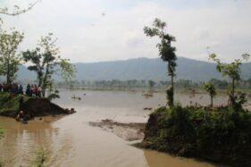 Tanggul Jebol Banjiri Sawah, Petani Cawas Klaten Rugi Jutaan Rupiah
