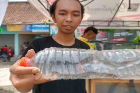 Sukarelawan Wonogiri Bagi-Bagi Tips Cegah Ular Masuk Rumah