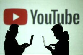 Ilustrasi orang menonton Youtube. (Reuters-Dado Ruvi)
