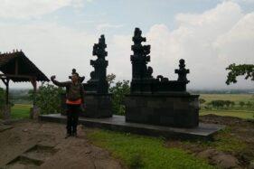 Seorang pengunjung selfie di Galpentjil Heritage di Pereng, Prambanan, Klaten, Sabtu (25/1/2020). (Solopos/Ponco Suseno)