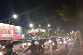 Kondisi kepadatan arus lalu lintas di Jl. Pahlawan, Kota Madiun yang padat saat malam akhir pekan, Sabtu (18/1/2020). (Abdul Jalil/Madiunpos.com)