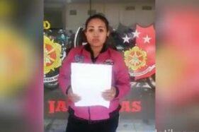 Eka Septiana, ibu asal Pasuruan yang tega menjaminkan anaknya ke bank plecit. (detik.com)