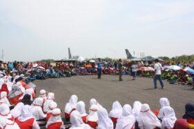 Ratusan anak-anak dari berbagai TK berkunjung dan belajar tentang pesawat tempur di Lanud Iswahjudi, Rabu (22/1/2020). (Istimewa-Lanud Iswahjudi)