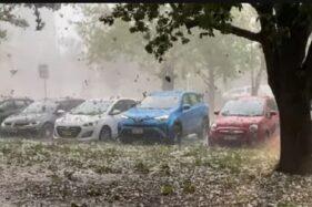 Bukan Cuma Kebakaran Hutan, Australia Juga Dilanda Hujan Badai Es