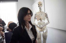Pembuatan boneka seks di Exdoll. China. (9gag.com)