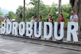Tak Terpengaruh Virus Corona, Wisatawan China Dominasi Candi Borobudur
