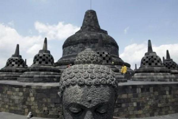 covid-19 jateng Candi Borobudur. (Reuters-Dwi Oblo)