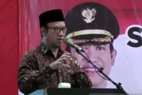 Bupati Banyumas Achmad Husein memberi sambutan dalam acara Sosialisasi dan Pelantikan Tim Ajudikasi Pendaftaran Tanah Sistematis Lengkap (PTSL) di Purwokerto, Kabupaten Banyumas, Jawa Tengah, Rabu (15/1/2020). (Antara-Sumarwoto)