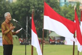 Gubernur Jawa Tengah Ganjar Pranowo saat memimpin Kirab Kebangsaan Merah Putih, Jumat (24/1/2020). (Antara-Humas Pemprov Jateng)