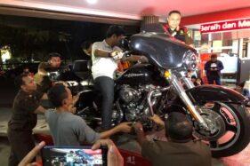 3 Mobil Mewah & 1 Harley Davidson Tersangka Korupsi Jiwasraya Dirampas