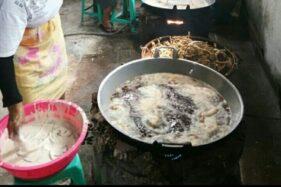 Keripik belut olahan salah satu warga Desa Gedongan, Baki, Sukoharjo. (Solopos/Indah Septiyaning W.)