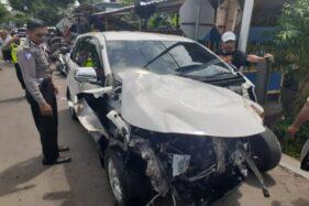 Terobos Perlintasan, Mobil Tertabrak KA Logawa di Nganjuk
