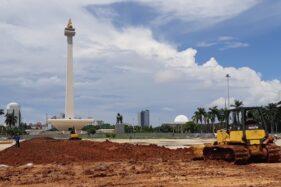 Suasana proyek revitalisasi kawasan Monas Jakarta Pusat, Senin (27/1/2020). (Bisnis-Feni Freycinetia)