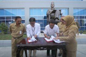 Penandatanganan kerja sama antara RSUD Bung Karno Solo dengan BPJS Kesehatan, Senin (20/1/2020). (Solopos-Nicolous Irawan)