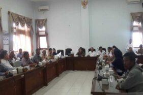 Nasabah BKK Pringsurat Geruduk DPRD Temanggung Tagih Pengembalian Tabungan