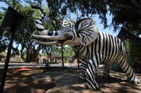 Ada Patung Gajah Bercorak Zebra di TSTJ Solo, Pengunjung Protes