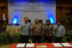 Pertamina MOR IV Jateng-DIY melakukan penandatangan kerja sama dengan Polda Jateng terkait penyediaan BBM dan pelumas di Hotel Patra, Kota Semarang, Kamis (16/1/2020). (Semarangpos.com-Pertamina MOR IV)