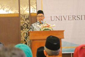 Rektor UIN Walisongo Semarang, Prof. H. Imam Taufiq, saat menghadiri Rapat Kerja (Raker) UIN Walisongo Tahun 2020 di Hotel Laras Asri, Kota Salatiga, Selasa (21/1/2020). (Semarangpos.com-Humas UIN Walisongo)